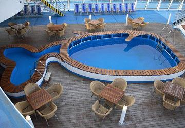 Moby Lines Otta pool area
