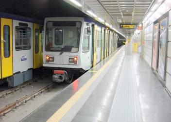 Subway train on Line 6
