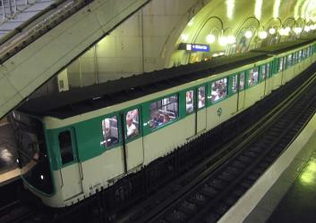 Bois-Colombes to Eiffel Tower - 4 ways to travel via train, and line ...