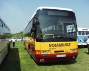 Volanbusz Yellow and Maroon
