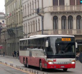 Setra S 417 UL in extra-urban service with FTV livery