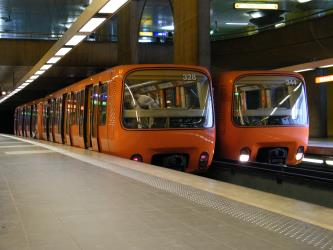 Automatic trains on the Lyon Metro