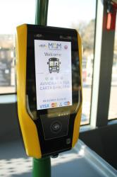 Contactless payment machine