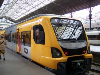 Suburban Automotora train