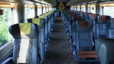 toronto to quebec 7 ways to travel via train plane. Black Bedroom Furniture Sets. Home Design Ideas