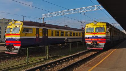 Two trains at the platform